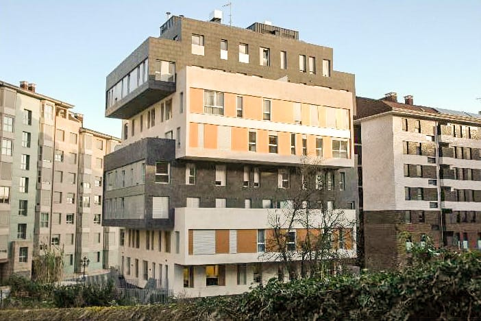 Edificio de 32 viviendas locales y garajes en oviedo dolmen arquitectos - Arquitectos en oviedo ...