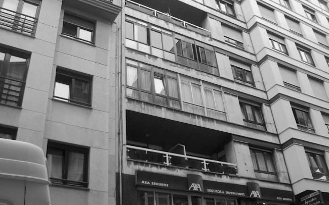 Edificio sin rehabilitar en Calle Cura Sama en Gijon