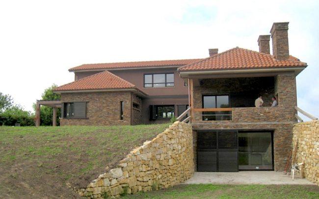 Entrada a chale de nueva construccion en Gijon Asturias