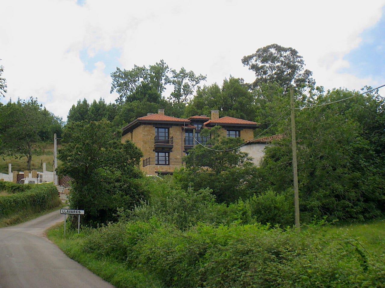 Exterior chale vivienda unifamiliar Villaviciosa Asturias