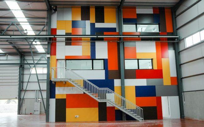 Reforma de la nave de Cortizo en Gijón Asturias interior color