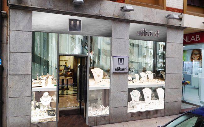 Reforma escaparate joyería calle Moros Gijón estado reformado