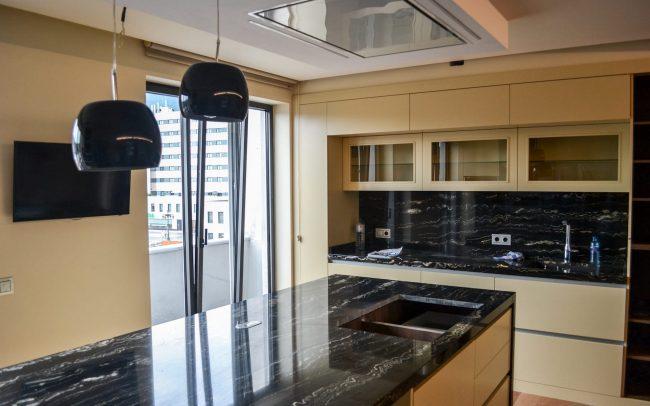 Reforma interior de una vivienda en la calle Uría de Oviedo Asturias cocina