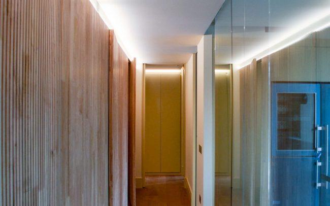 Reforma interior de una vivienda en la calle Uría de Oviedo Asturias corredor