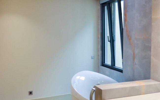Reforma interior de una vivienda en la calle Uría de Oviedo Asturias cuarto de baño