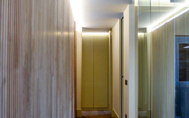 Reforma interior de una vivienda en la calle Uría de Oviedo Asturias pasillo
