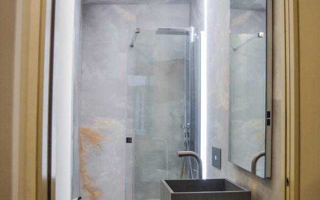 Reforma interior de una vivienda en la calle Uría de Oviedo Asturias baño