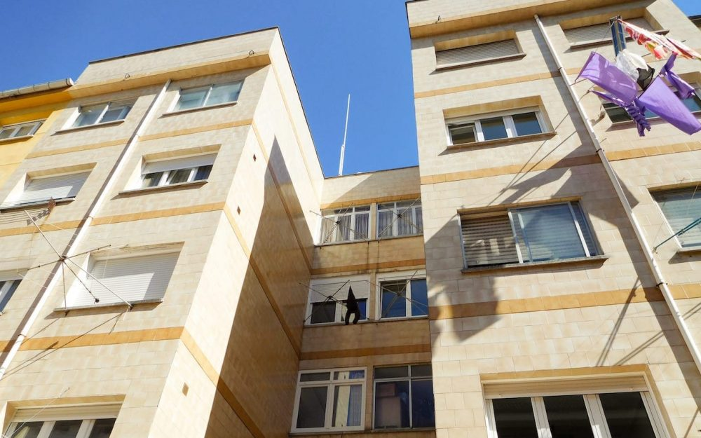 Rehabilitación de fachadas en Gijón trasera calle Tirso de Molina Dolmen Arquitectos