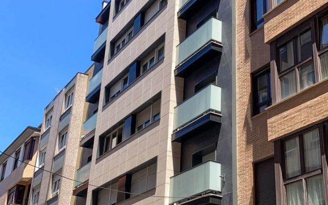 Rehabilitación de fachadas y terrazas calle Juan XXIII Dolmen Arquitectos Gijón Asturias