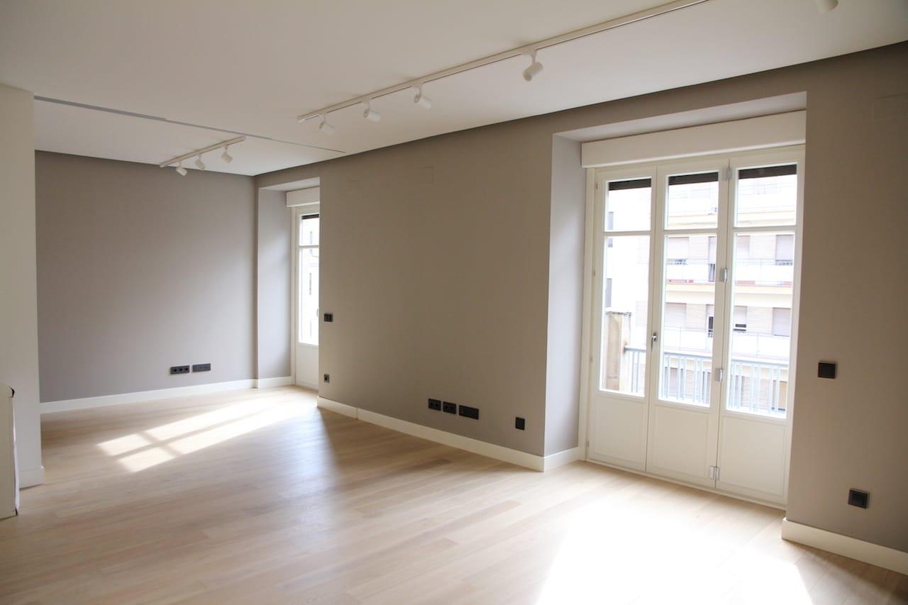 ventanales-del-salon-tras-la-reforma-interior-vivienda-salamanca