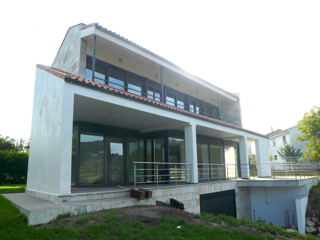 Vivienda unifamiliar en villaviciosa asturias dolmen - Estudio arquitectura asturias ...