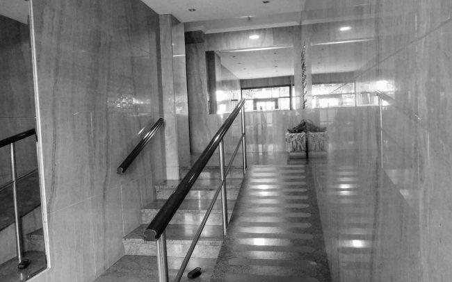 Adecuación de portal y servicios comunes en edificio de viviendas en la calle Asturias de Gijón