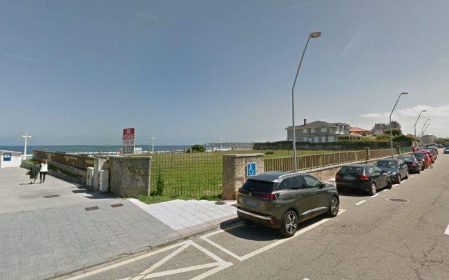 Beach Club en Salinas Asturias diseño de Dolmen Arquitectos parcela