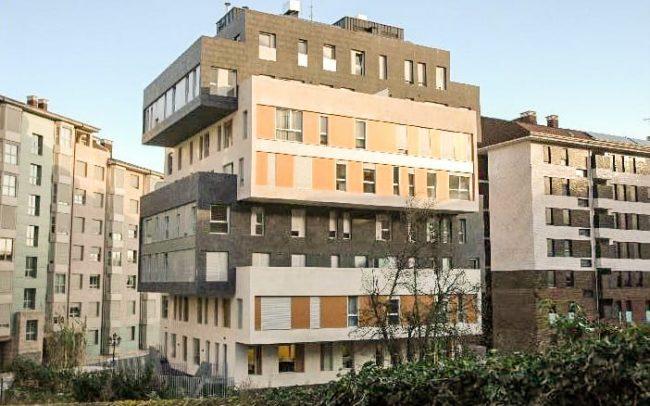 Edificio de 32 viviendas, locales, garajes y trasteros en Otero Norte Oviedo
