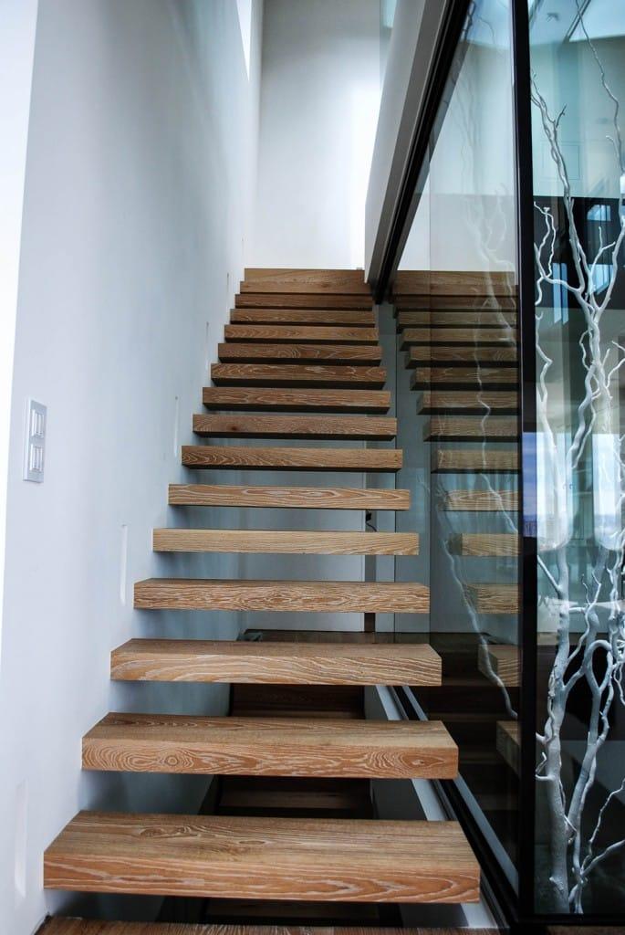 escalera-de-madera-en-vivienda-asturias