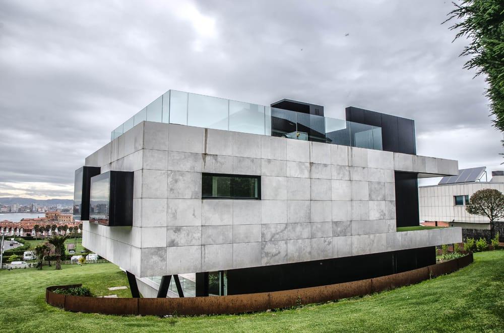 fachada-de-casa-de-lujo-estudio-arquitectura-dolmen-asturias