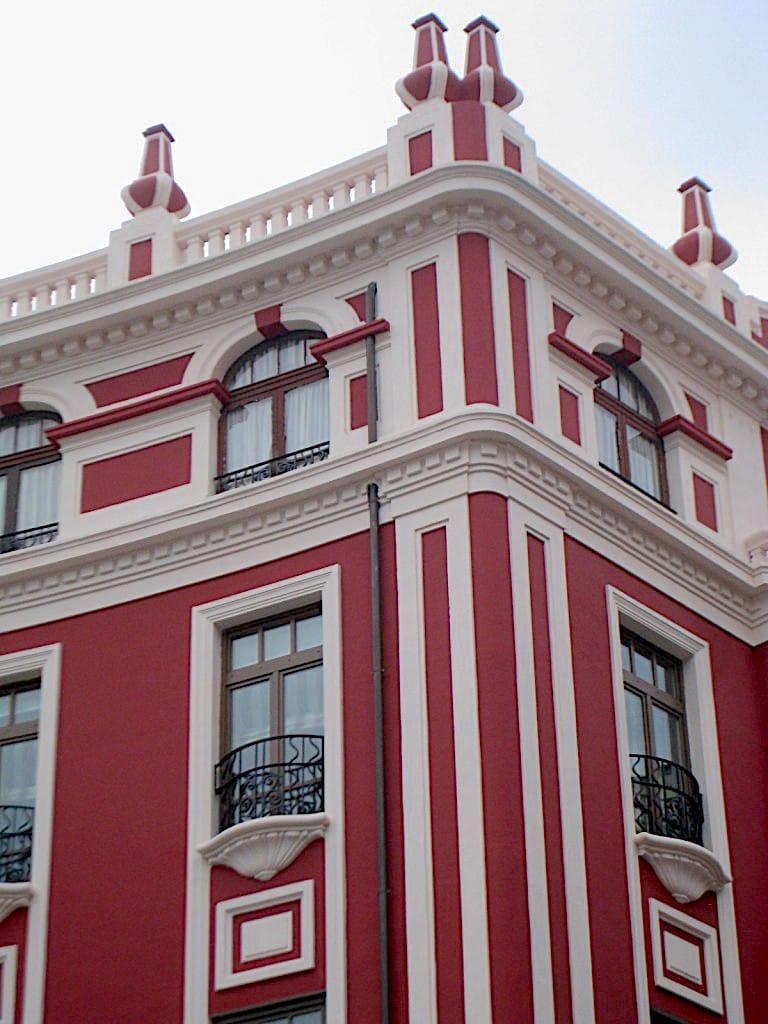 fachada-en-la-plaza-de-san-miguel-gijon