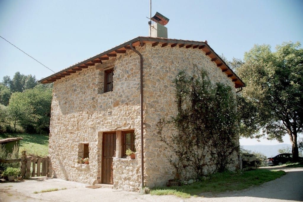 Fachada lateral de chalé en La Madrera Asturias