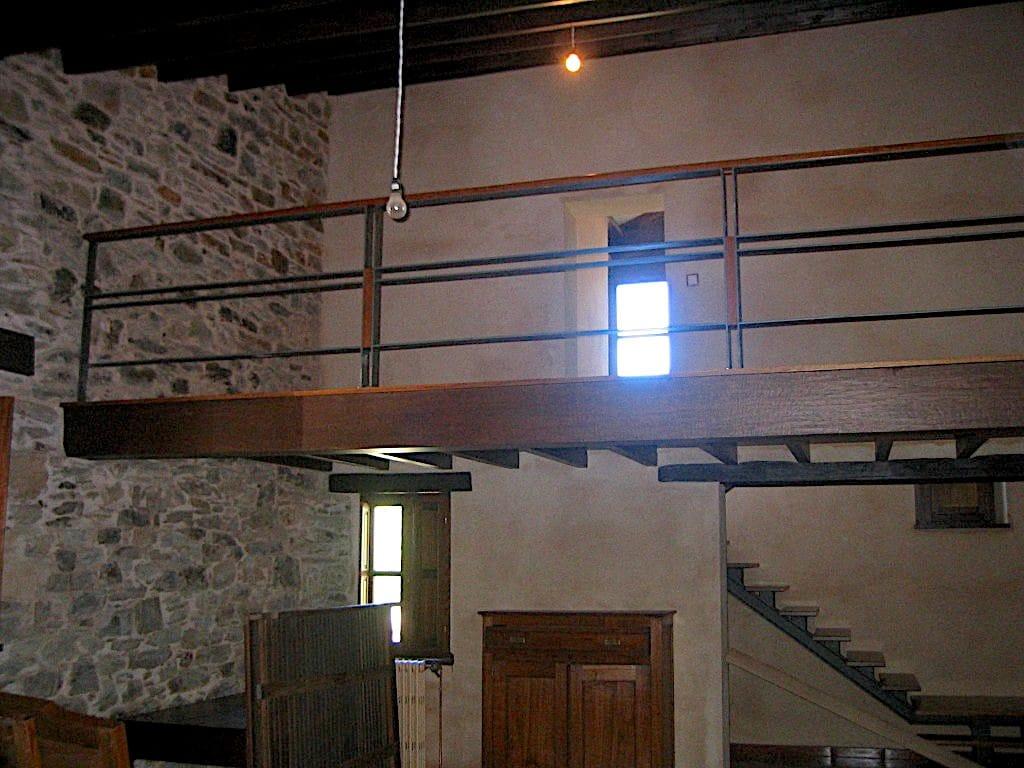 interior-de-vivienda-unifamiliar-en-el-pueblo-de-cudillero-asturias-para-restaurar