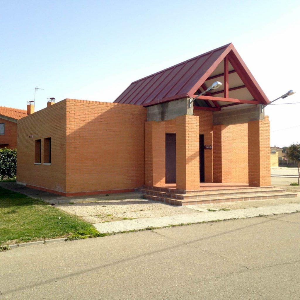 Lateral del Tanatorio de Villaralbo Zamora