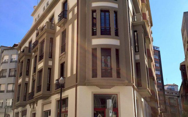 Nueva imagen de la fachada en la calle Instituto de Gijon