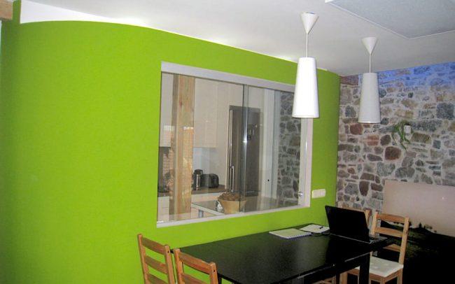 Oficina en piso reformado en Asturias arquitecto Dolmen