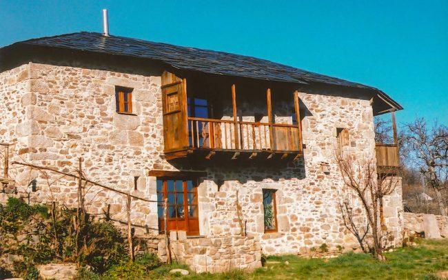 Reforma de casa rural en Avedillo de Sanabria Zamora obra de Dolmen Arquitectos