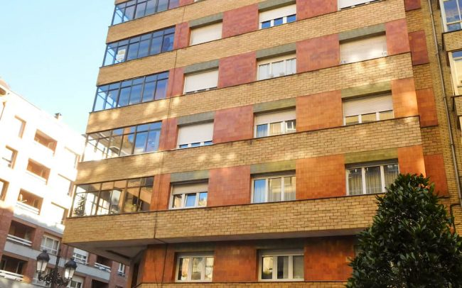 Reforma de fachadas en Oviedo calle Gloria Fuertes proyecto de Dolmen Arquitectos de Asturias-1 4