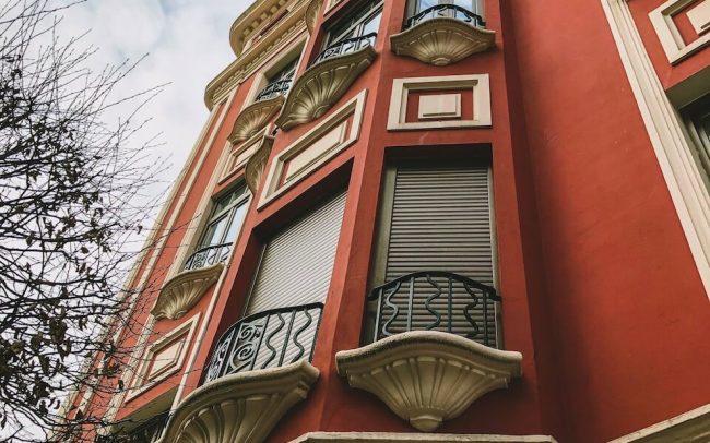 Reforma fachadas Asturias edificio modernista Plazuela Gijón proyecto de Dolmen Arquitectos