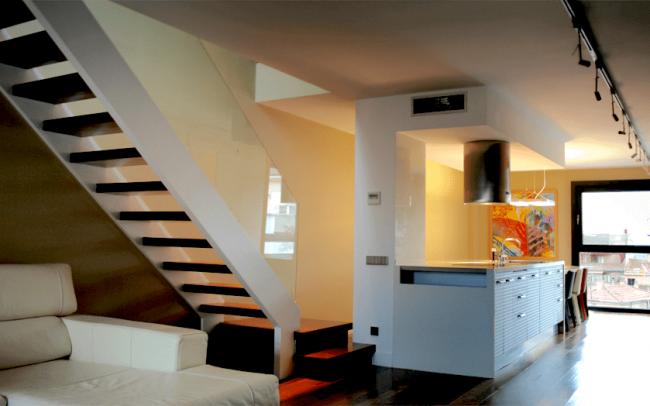 Reforma interior de duplex en Zamora escalera