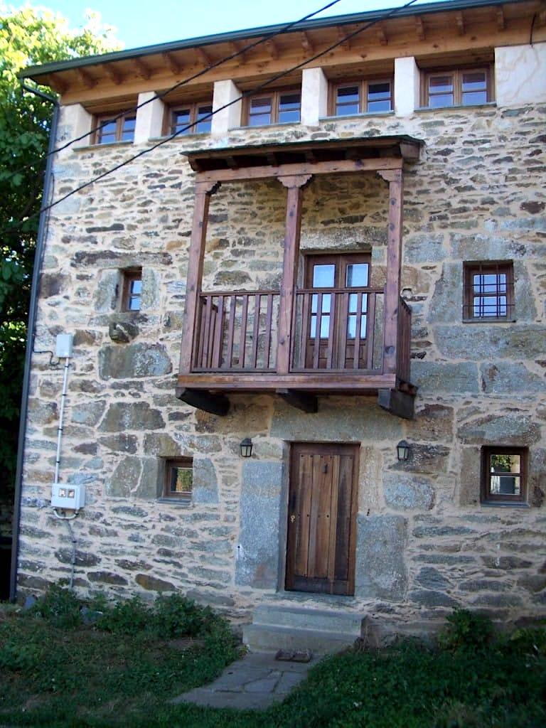 Rehabilitacion de vivienda en Castellanos de Sanabria por arquitecto Asturias Dolmen